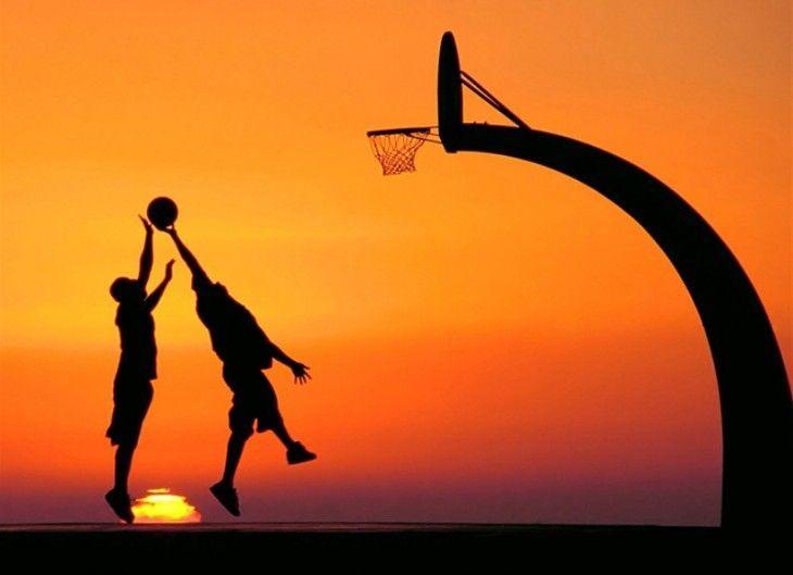 Escena del baloncesto de la tira del amor y del baloncesto